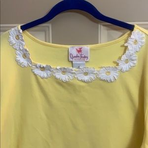QF yellow 3/4 sleeve Tee with daisy neckline. 1X